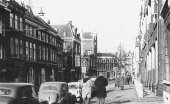 De Fluwelen Burgwal richting Herengracht in 1961.