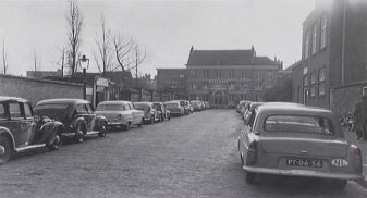 De Bezemstraat in 1956.
